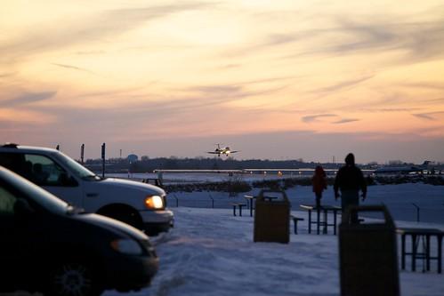 airport aviation americaneagle grr crj embraer erj unitedexpress geraldrfordinternationalairport