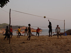 wallyball(0.0), football(0.0), ball over a net games(1.0), volleyball(1.0), sports(1.0), team sport(1.0), ball game(1.0), beach volleyball(1.0),