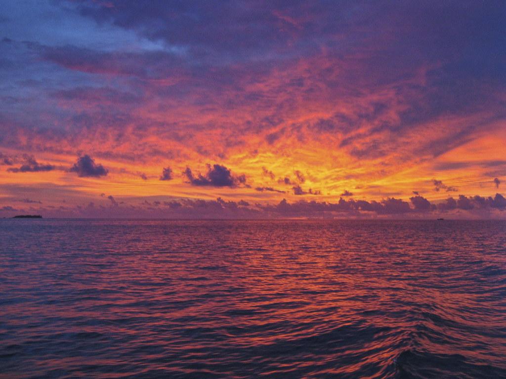 Закат на Мальдивах.