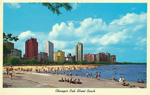 1959 postcard of Chicago's Oak Street Beach