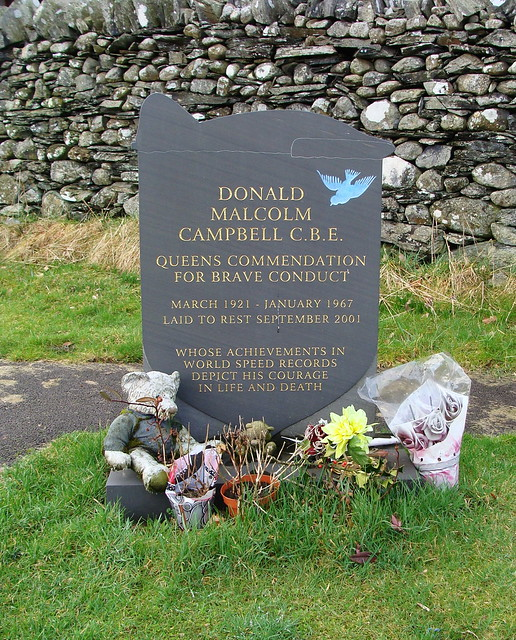 Grave of Donald Campbell