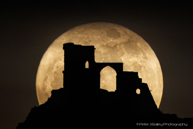 5540602127 b860792ac9 z 20 Awesome Photos Of The Supermoon