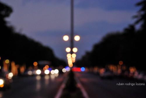 mexico atardecer lights luces nikon bokeh dusk centro yucatan merida mexique ocaso goldenhour d60 montejo paseodemontejo yucatán thebluenile mérida méxico thedowntownlights rocoeno camellón
