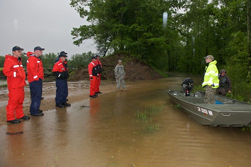 ohio coastguard storm water rain creek river mississippi midwest flood kentucky explosion reserve demolition relief missouri disaster swamped emergency breaching response easement levee sandbag illinios reservists armycorpsofengineers newmadrid canalou