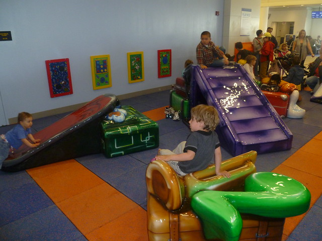 JetBlue opens new play area at T5!