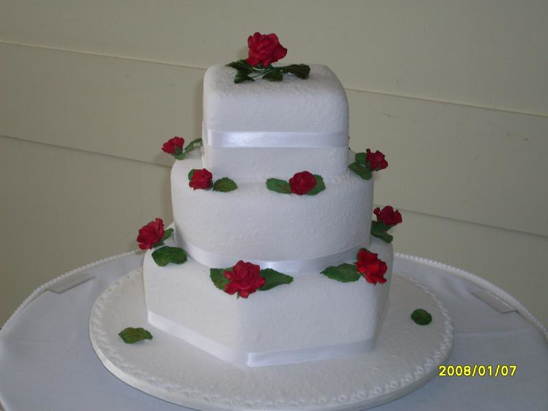 Cake Decorating Course Toowoomba : Elaborate three tier wedding cakes Toowoomba Wedding ...