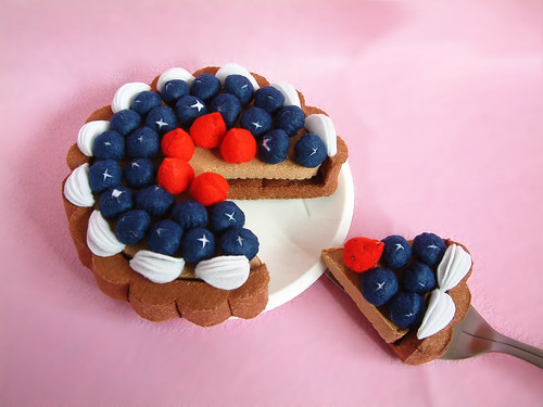 felt blueberry tarte