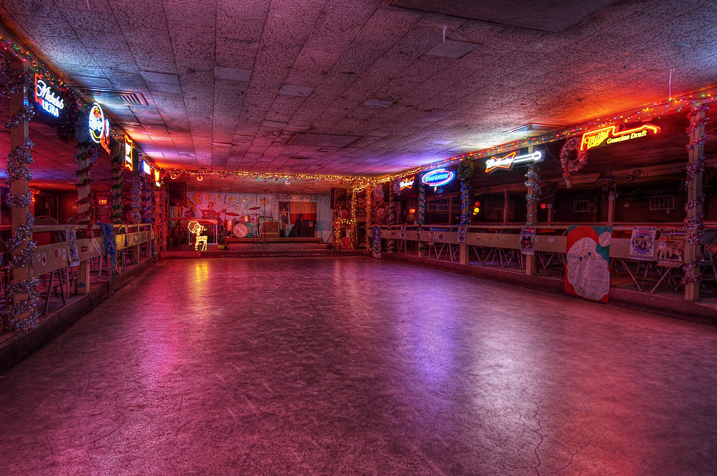 the broken spoke dancefloor
