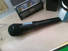 gadget(0.0), microphone(1.0), audio equipment(1.0),
