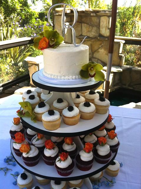 Offset Wedding Cakes