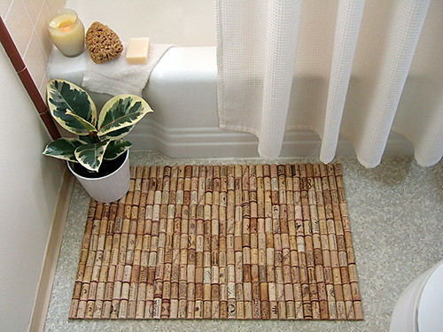 How to Make a DIY Wine Cork Bathmat
