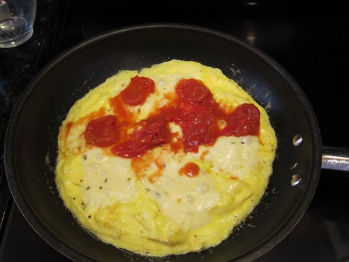 omelette, cooking demonstration, eggs, tomatoes IMG_5416
