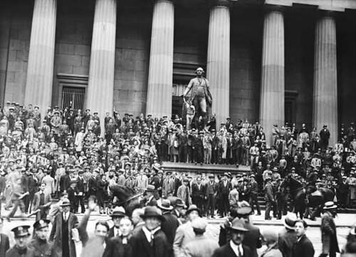 بورصة نيويورك يوم الانهيار وبداية الكساد الكبير
