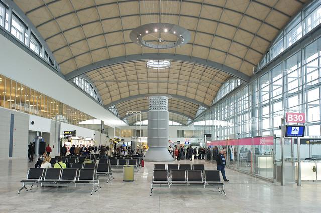 Aeroporto Alicante : Aeropuerto de alicante aviones