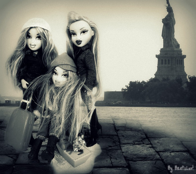 Bratz Next Super Model C.2- Immigrants- Diamond