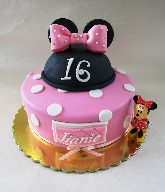 Minnie Mouse Themed Cake For Sweet 16 Flickr Photo
