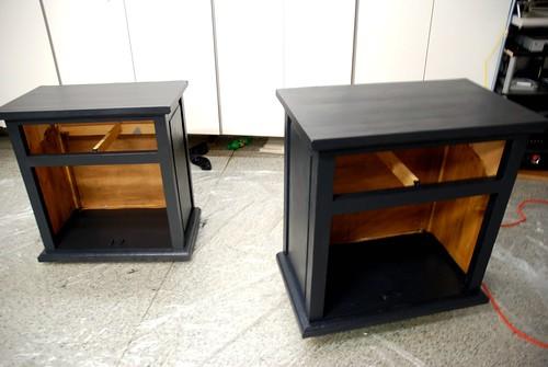 Painting bedroom furniture black for Black painted bedroom furniture
