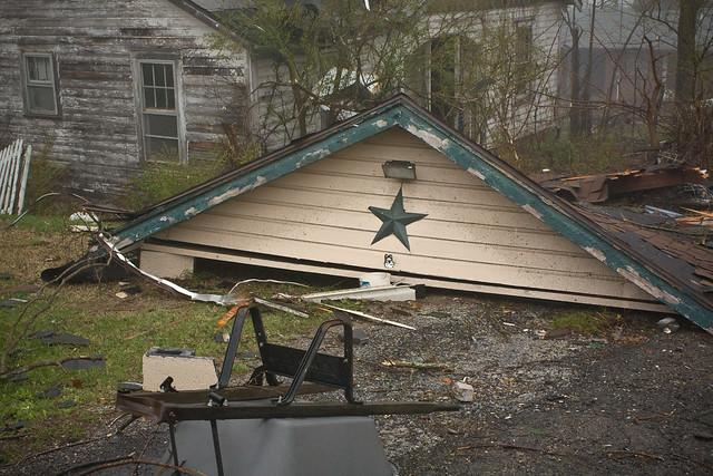Pulaski Tornado-21 State St Alley - Debris