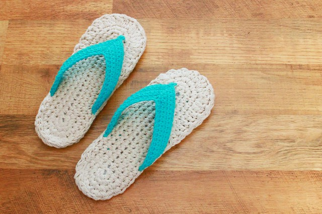 Crochet Patterns Using Flip Flops : Flip Flops Crochet Pattern blogged: easymakesmehappy ...