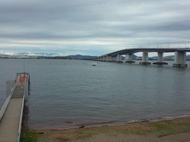 琵琶湖大橋、機能美。