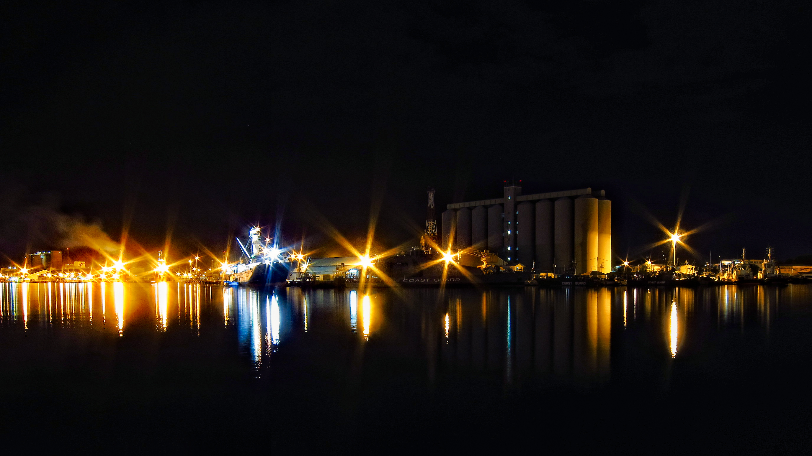 Port Louis at night (Photo kohsah on Flickr)