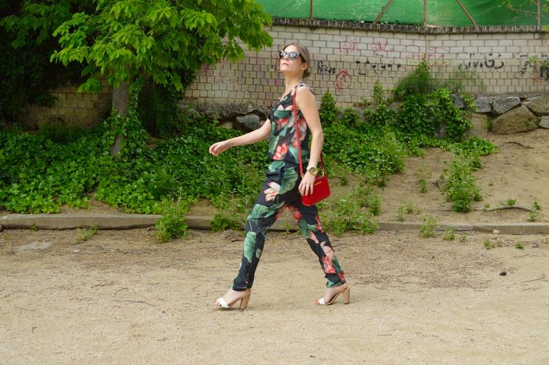 lara-vazquez-madlulablog-details-jumpsuit-look-spring