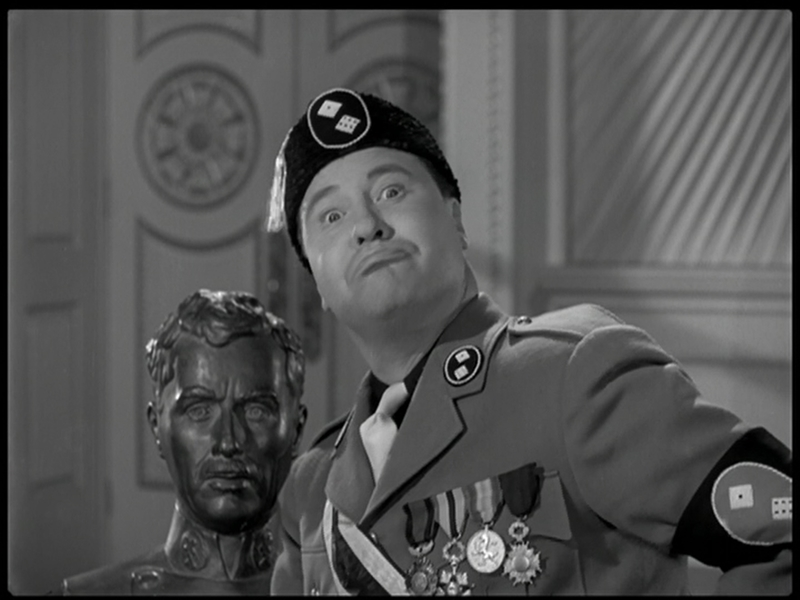 Jack_Oakie_-_The_Great_Dictator_1940_(02)_wmplayer_2013-07-12