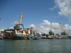 port, crane vessel (floating), machine, vehicle, transport, freight transport, ship, sea, harbor, watercraft, boat, waterway, infrastructure,