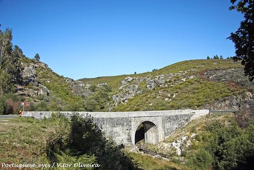 Ponte sobre o Rio Beça - Portugal