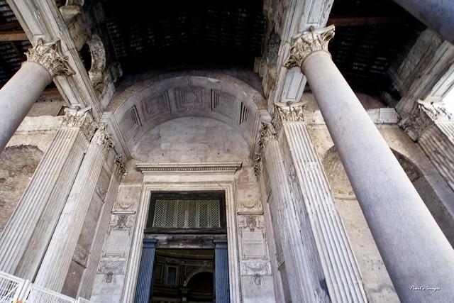 萬神殿入口