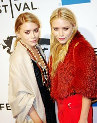 5641823969 32f65c5575 m Ashley OlsenWhy is Ashley Olsen part of the investigation of Heath Ledgers death?