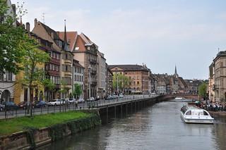 http://hojeconhecemos.blogspot.com.es/2001/01/guia-de-estrasburgo.html