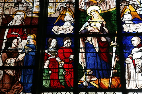 France, Auvergne, Moulins-sur-Allier (03) : Basilique-cathédrale Notre-Dame de l'Annonciation, XVe. : Sainte Catherine, vitrail.