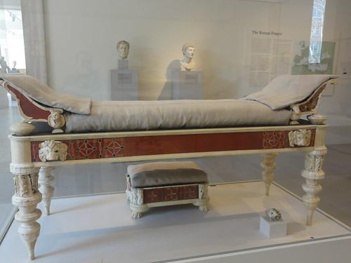 Roman Bed