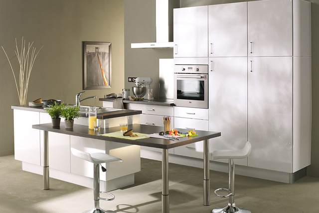 Cuisine quip e blanche mod le design brillant alexandrie flickr photo - Modele cuisine equipee ...