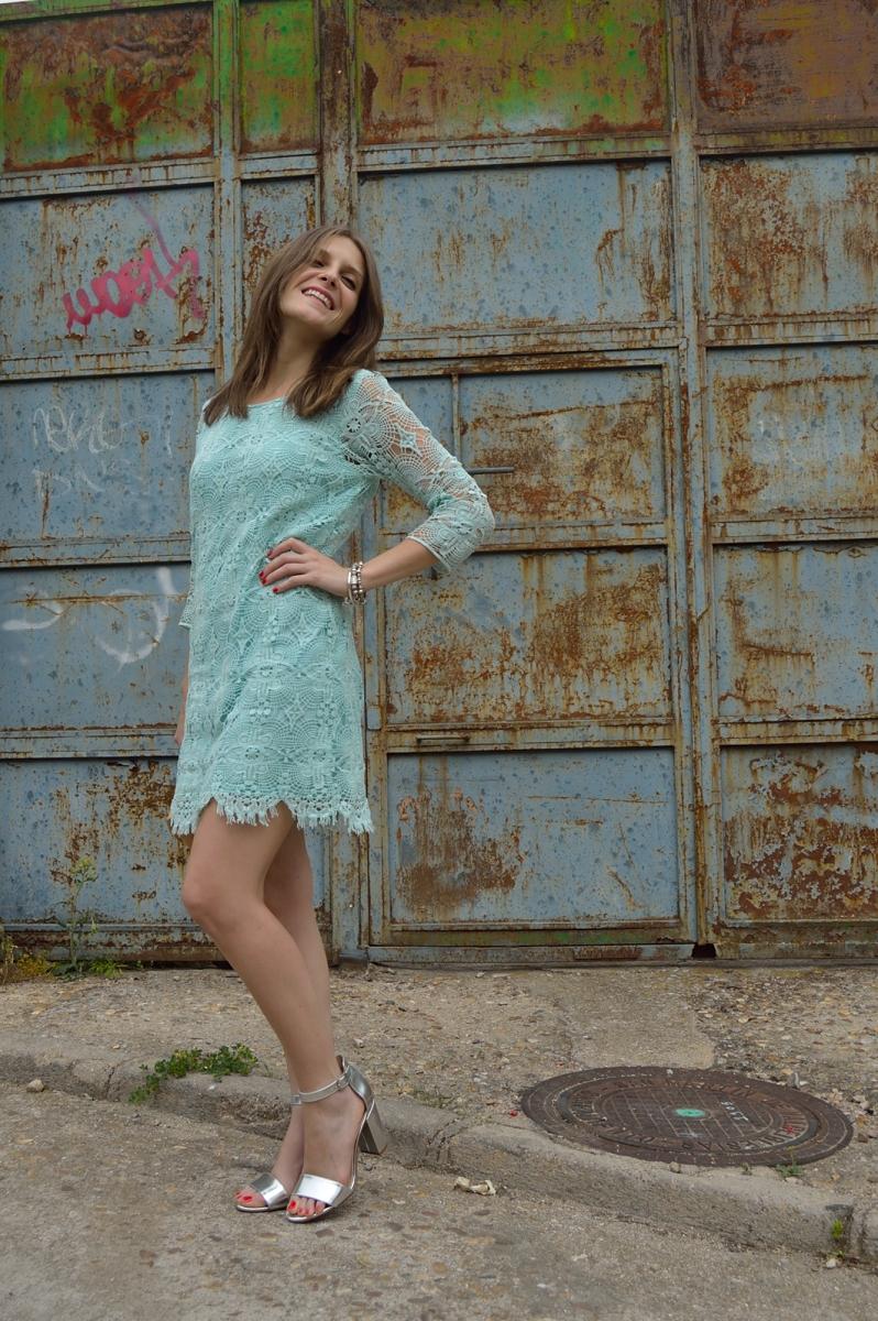 lara-vazquez-madlulablog-pastel-dress-lace-chic-style