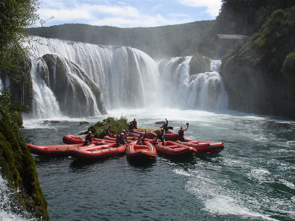 Rafting in Bosnia. Photo by Eko turizam u BiH (Tri doline) on Flikr.