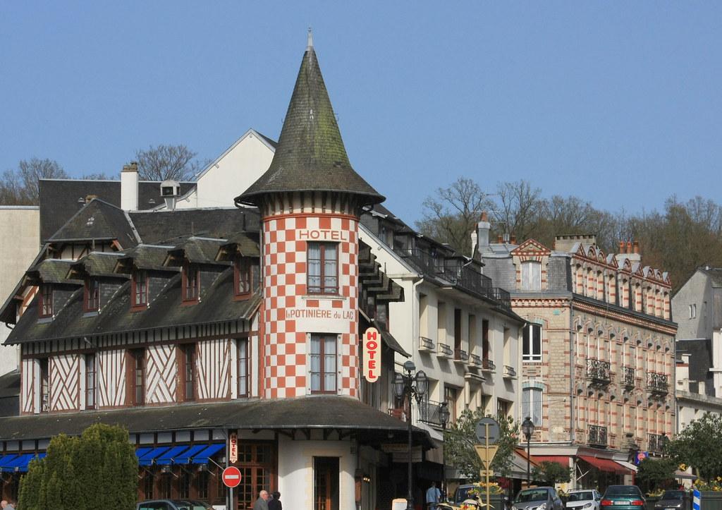 Bagnoles de l'Orne, hôtel de la Potinière du Lac.