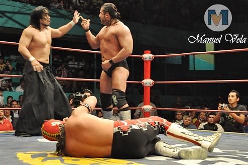 DSC_0728 Strong Man, Blue Panther y máximo vs Goto , Ultimo Guerrero y Héctor Garza por LAE Manuel Vela
