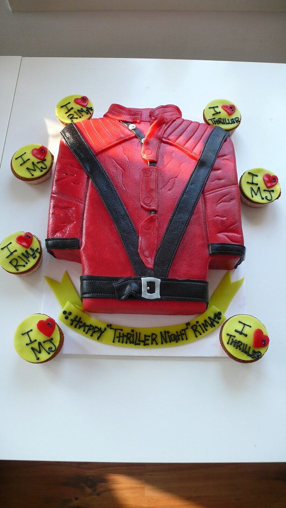 Fabulous Michael Jackson Cake Red Lether Jacket From Thriller Vid Flickr Funny Birthday Cards Online Hetedamsfinfo