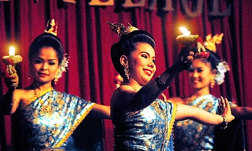 Bangkok Silom Village Thai Classical Candle Dance