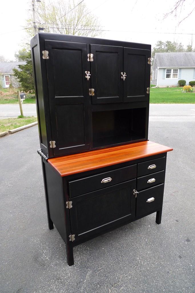 Black point builders antique hoosier restoration for Restoring old kitchen cabinets