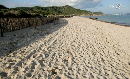 Es-Cavallet-Ibiza-beach