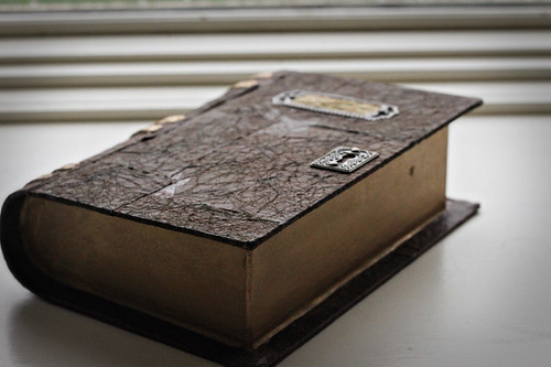 How to make an antique looking leather bound book the for How to make an old book