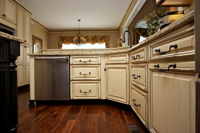 Kitchen Cabinets Glaze And Distress 9 Flickr Photo