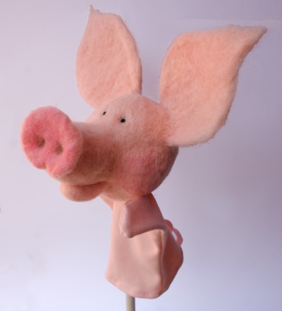 needle felted pig side view