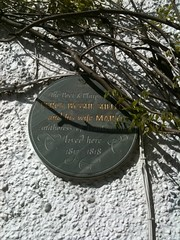Photo of Mary Shelley and Percy Bysshe Shelley grey plaque