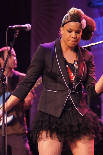 Melissa Nkonda, Francofolies, Sony A55, Minolta 135mm 2.8, Montréal, 13 juin 2011 (218)
