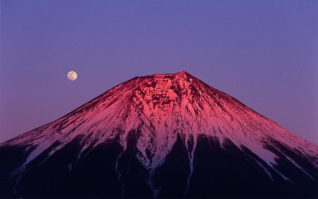 Fuji-san and Moon