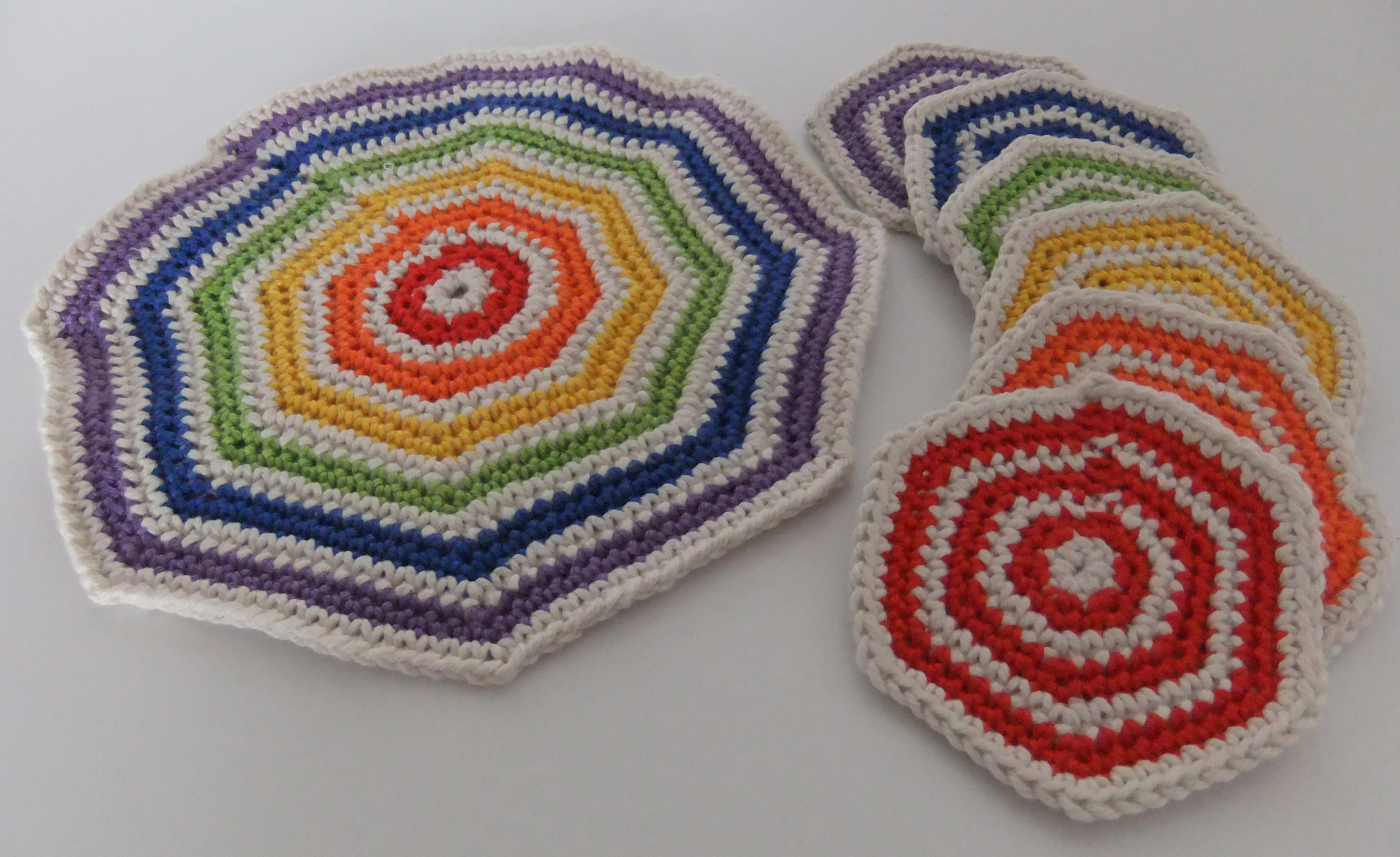 Free Online Crochet Patterns For Coasters : Drinks Coaster Set Crochet Pattern (III) Flickr - Photo ...